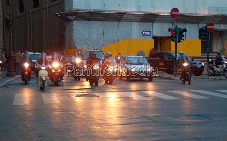 ruch drogowy transport swiatla samochod automobil