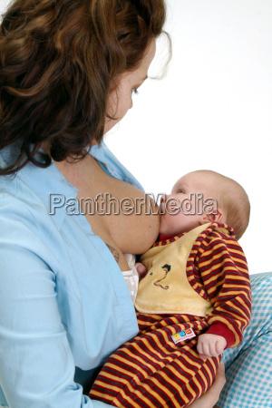 dziecko podczas ssania