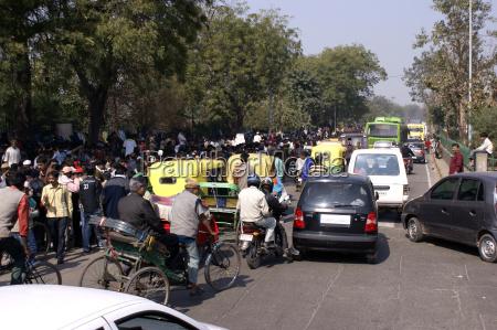 dobowy ruch na ulicach delhiindie