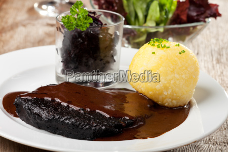 marynowane sauerbraten knedel gruda kluska kopytka