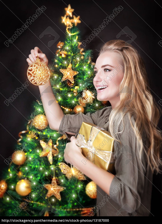 happy, girl, dekorowanie, choinki - 13187000
