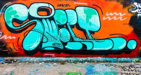 kolor beton listow graffiti grafitti bezowy