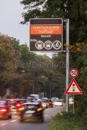 tarcza sygnal znak niebezpieczenstwo zagrozenia jazda