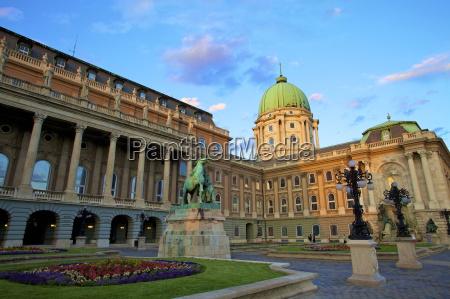 niebieski jazda podrozowanie architektonicznie historyczny pomnik