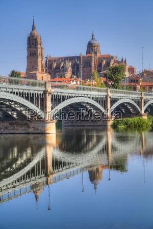niebieski wieza jazda podrozowanie architektonicznie historyczny