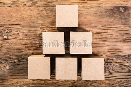 drewno drewna piramida ksztalt rozliczenia zrobic