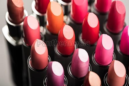 rury pomadka kosmetyka cosmetic kosmetyk uwaga