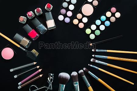 szczotka paznokiec polerowanie pastowanie szminka profesjonalnie